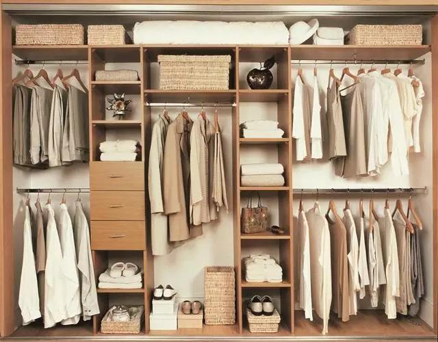 定制衣柜不知道该用什么板材,来看看应该怎样选择吧!