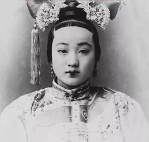 从清代到民国,中国女子的美,韵味十足!