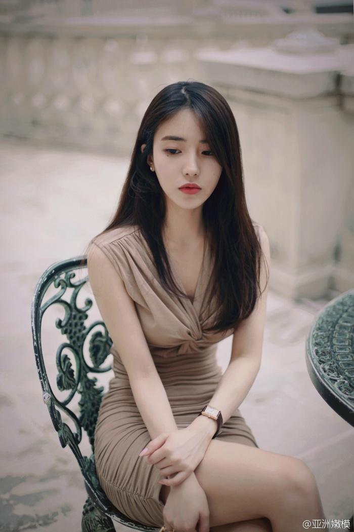少妇淪#hH9m�9.l_修长身材长发美女少妇优雅秀美腿