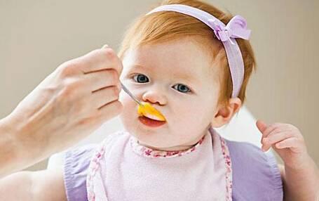 给宝宝吃鸡蛋,到底要不要吃蛋黄?_母婴_南阳新