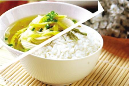 晚饭不吃主食能减肥_小麦主食,高碳水化合物,低碳食物,哪种更减肥