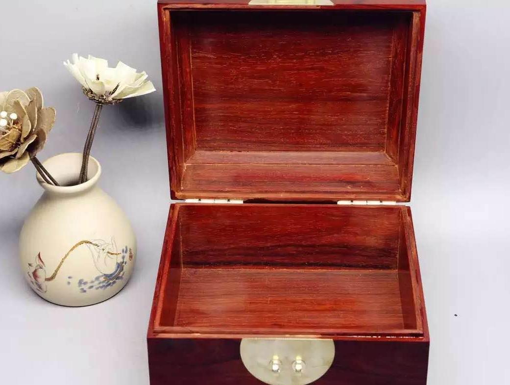 小叶紫檀首饰盒:古代女子的嫁妆