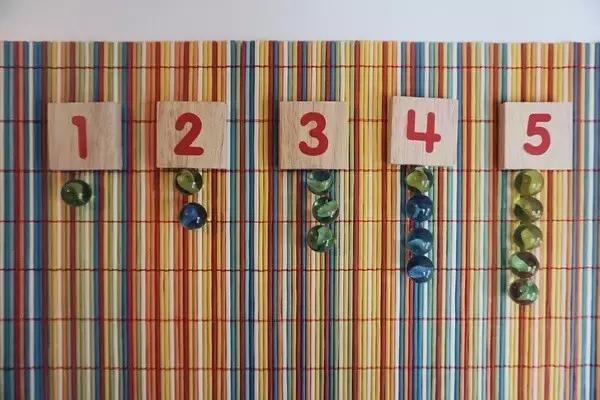 不花钱,在家就可以玩的15种益智小游戏!