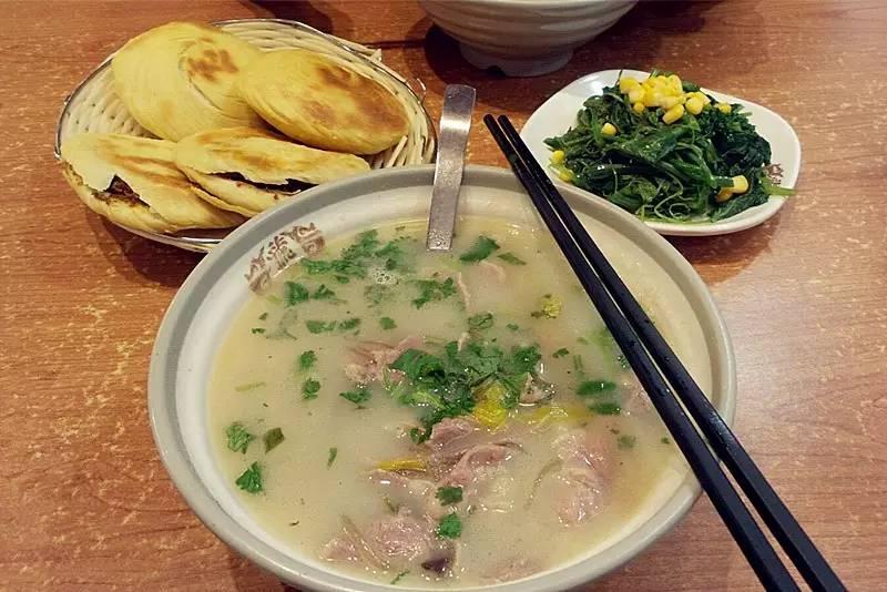 今儿真球冷,郑州最得馆子的10家羊汤劲儿,赶紧整两碗!俘虏美食的cos图片