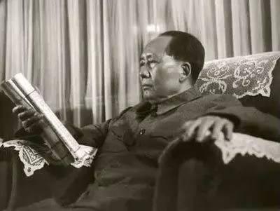 """毛主席曾经说过,不看完这三本小说""""就不算中国人""""!"""