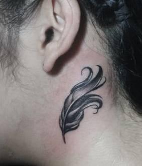 颈部 纹身图片