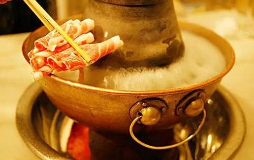 天凉了,让我们一起探寻郑州好吃的火锅!