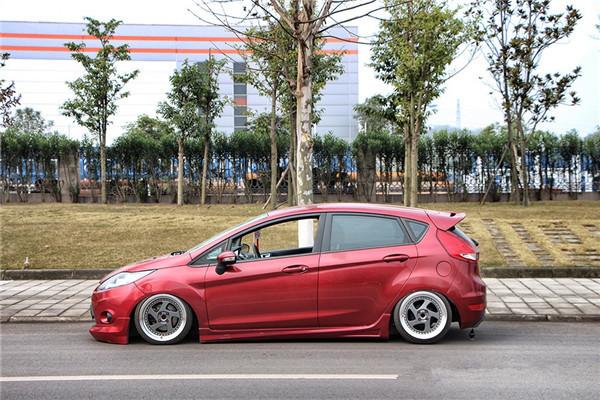 福特嘉年华改装气动避震 感受低趴的魅力_搜狐汽车图片