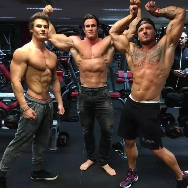 日本男模完美肌肉线条