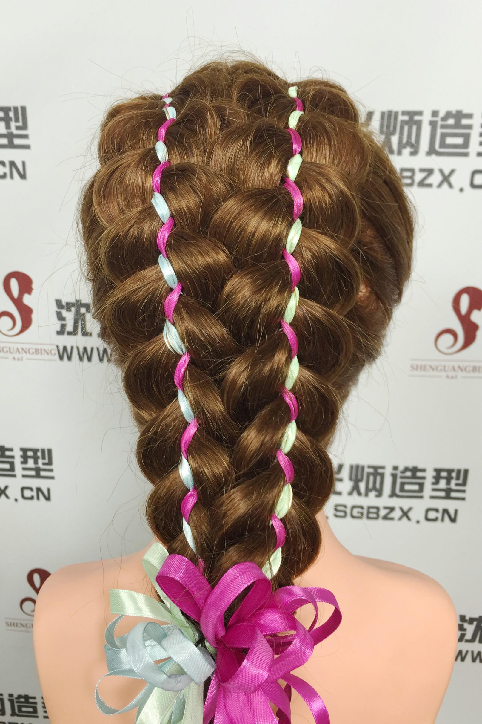 2016彩带编发扎发打造与众不同的非发型发型法编的主流爬山虎辫子