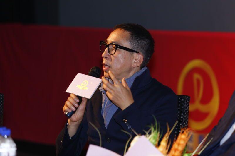 《贫穷富爸爸》剧组见面会在重庆路万达影院举