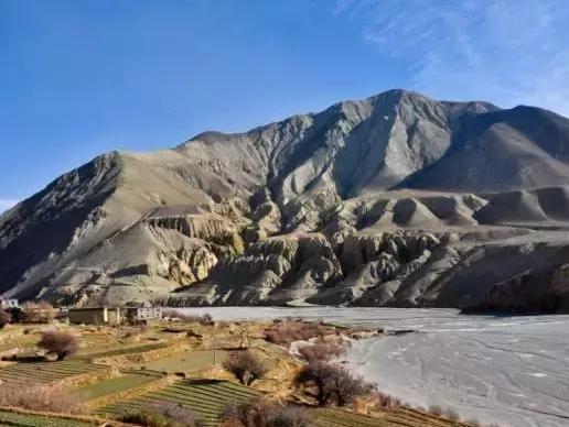 """喜马拉雅两座雪山后面隐藏的一座古国"""""""