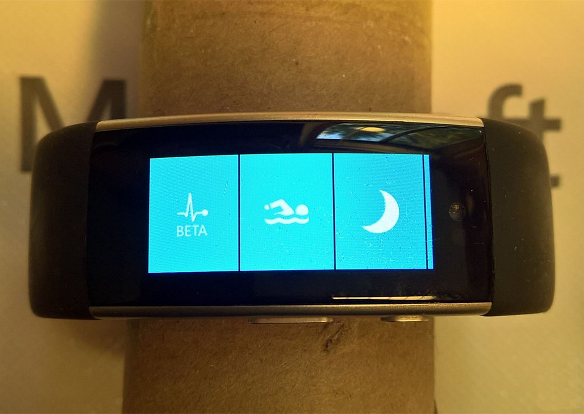 """微软自家智能手表升级版再曝光, 它也加上了游泳功"""""""