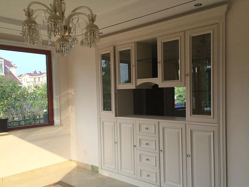 阁楼,主卧分别设置带有简欧风格的鞋柜