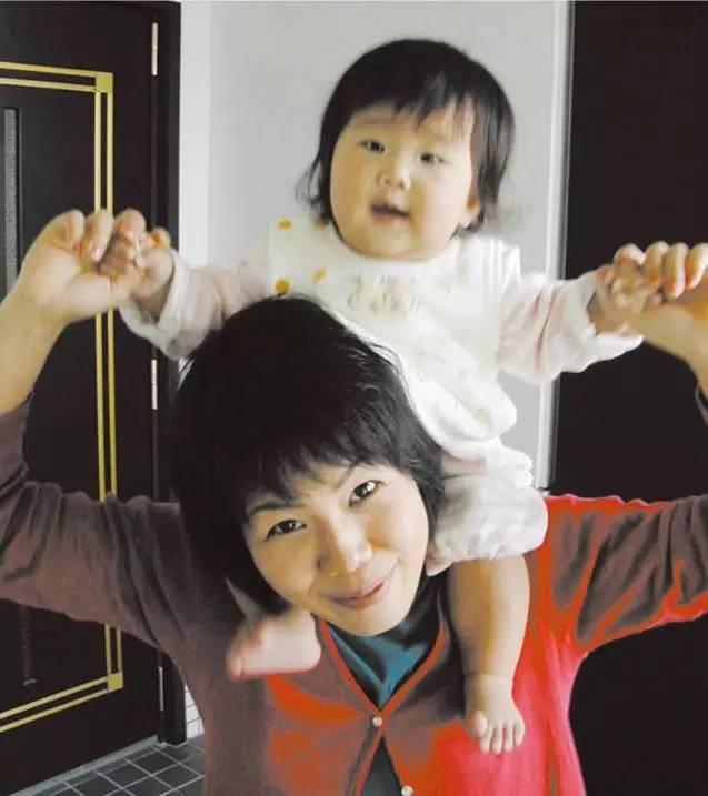 日本最年轻的妈妈_这位日本年轻妈妈的日常满足了很多女孩对婚后生活