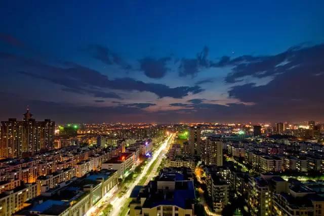 gdp万亿城市_城市化进入下半场,谁崛起 谁掉队 2018中国城市GDP前20座次终排定