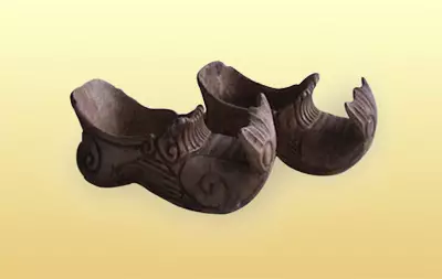 diy鞋子手绘图案猪猪侠