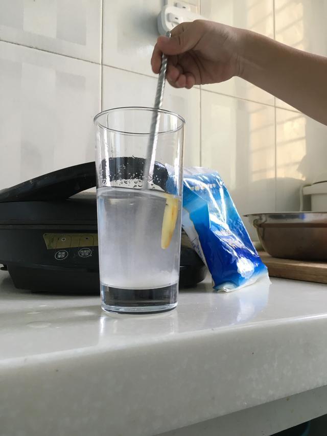 二代琥珀蜜蜡真的可以浮饱和盐水么?
