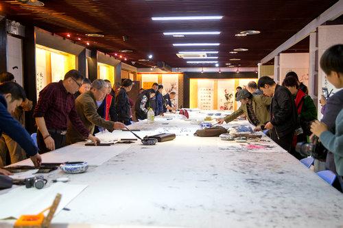 纪念红军长征胜利80周年书画巡展在郑州开幕