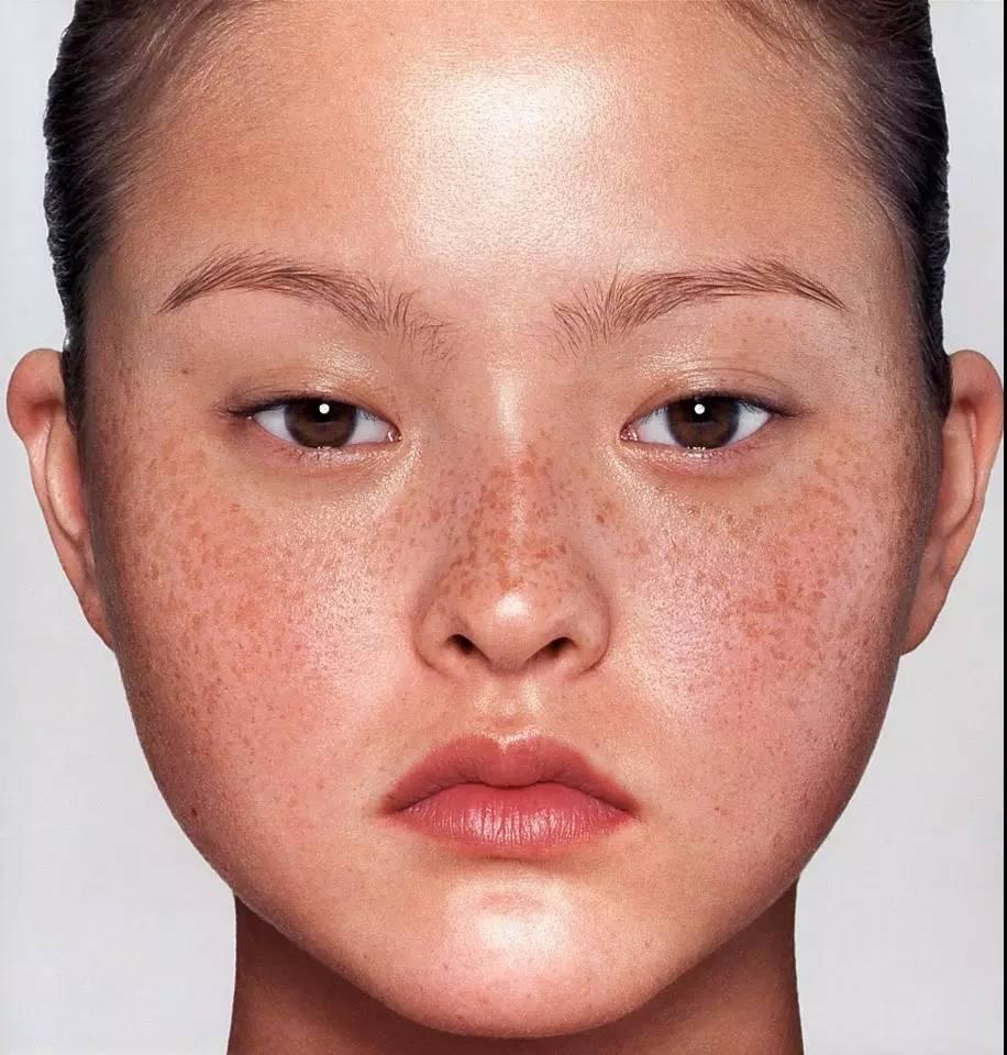 戴文·青木丨这种亚洲丑脸,我希望能永远流行下去