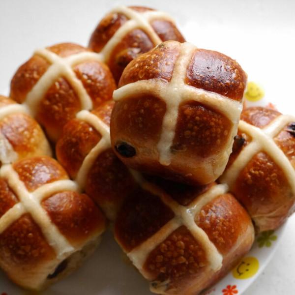 少儿英语童谣推荐:Hot Cross Buns热热的十字