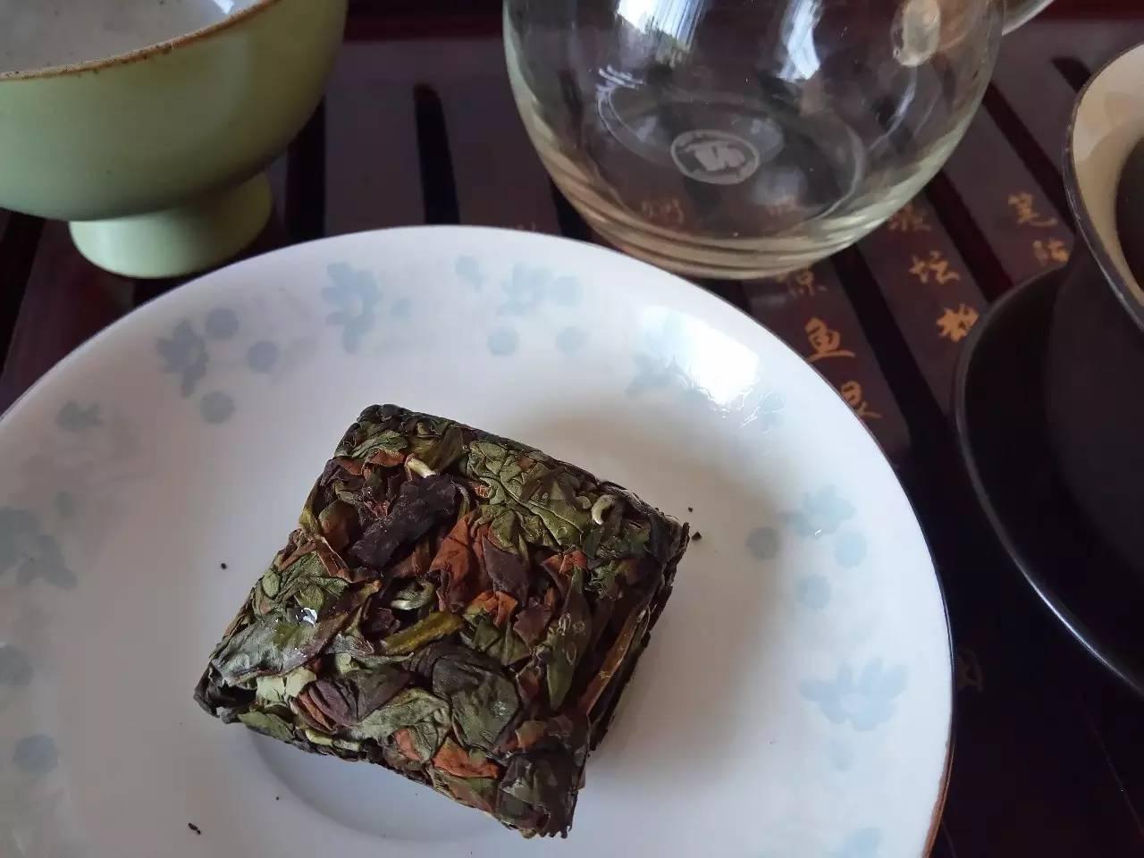 乌龙茶大红袍和水仙哪个好图片