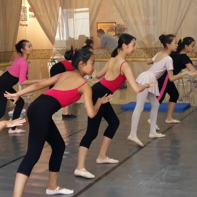 毓美文化为中学生做专业舞蹈培训图片