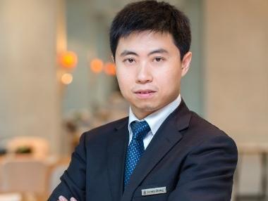 北京唐拉雅秀旅店录用张彬师长教师为餐饮总监