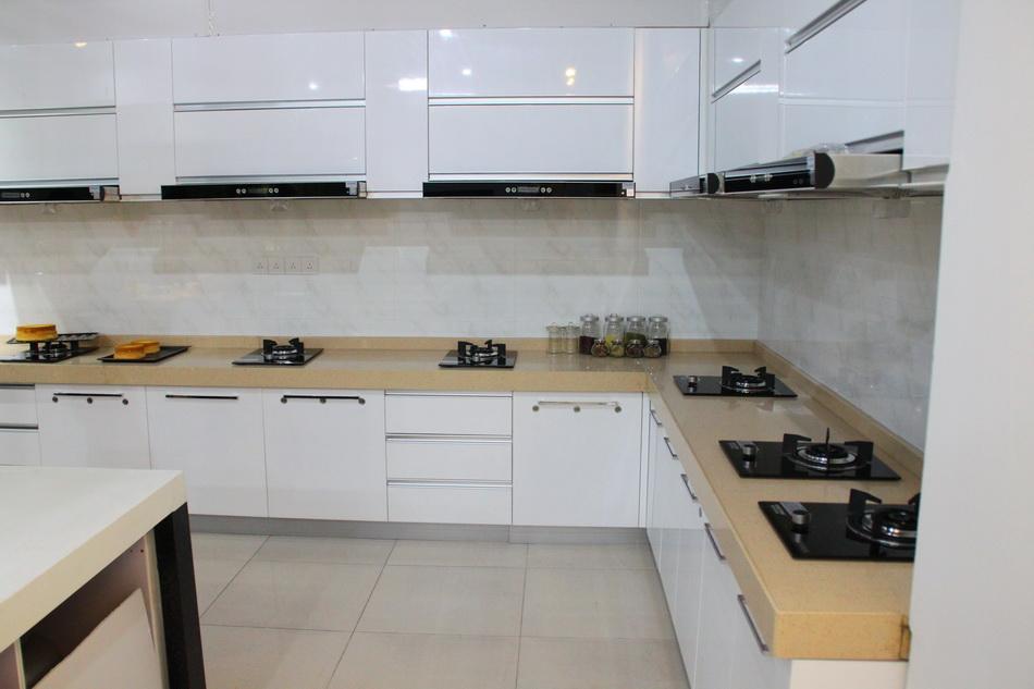 罗氏风水:厨房灶台颜色风水图片
