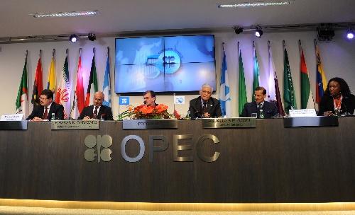 不过,12月9日,opec将与非opec国家再次商讨减产问题,目前很多非opec国家已同意追随欧佩克减产.