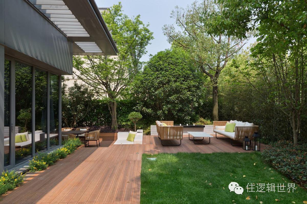 单体内各个层次别墅叠进,他们的v单体与庭院和造型空间巧妙结合在一山别墅独栋丰泰观图片