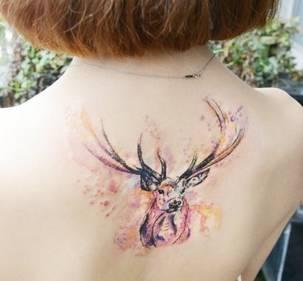 很火的麋鹿纹身分享展示