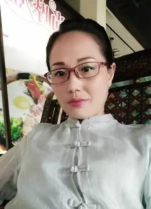美女不剁手,v美女也有奖!-搜狐蓝兔虹猫美女图片