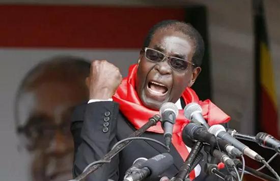 津巴布韦总统穆加贝    全国大会总统点名批评中国男人   我国与