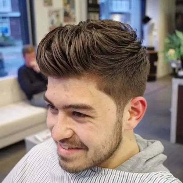 该理什么发型才适合?图片