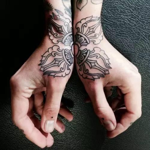 那些一眼就觉得很酷的纹身!