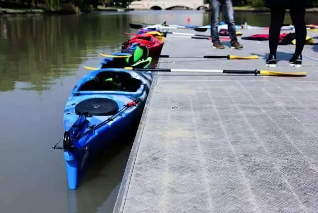 【请看】体总杯皮划艇 交大第一届皮划艇表演圆满落幕新生一下木兰双扇的比赛图片