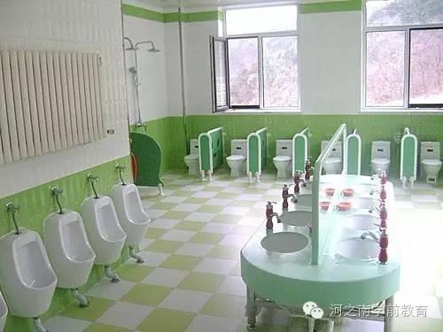 意的幼儿园洗手间