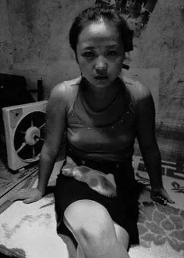 村妓妈妈_90年代村妓的黑白人生,接客到没力气穿裤