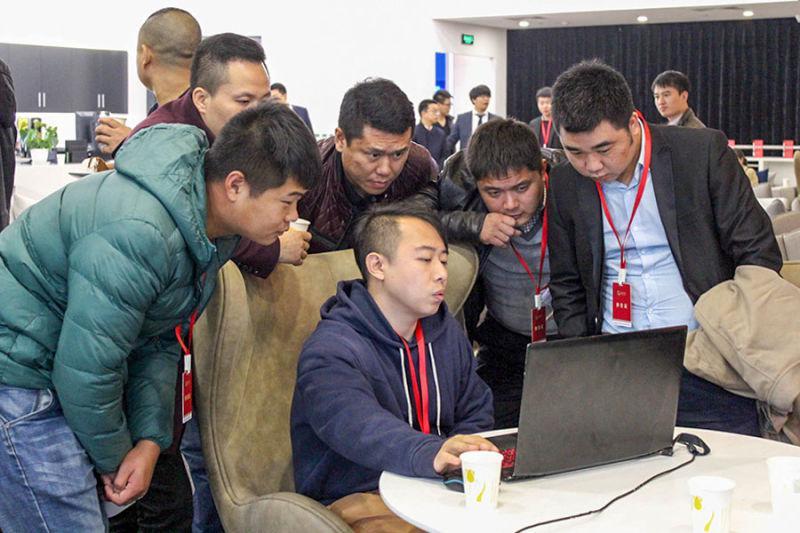 友谊万岁孵化器说明会北京再启 创新驱动在线金融企业转型