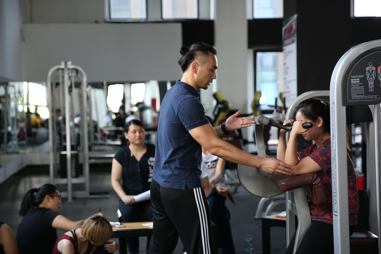 健身房做私人健身教练需要哪些证? - 微信公众