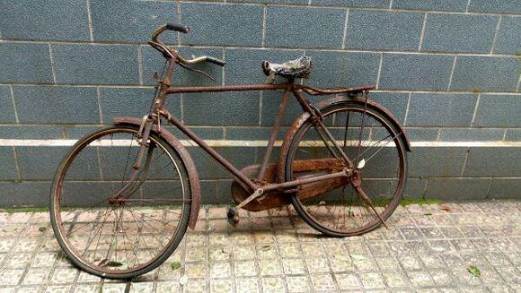 凤凰自行车-上世纪农村最常见的老物件,现在都买不到了