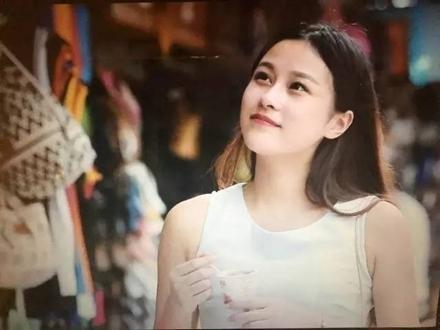 大学女生爱黑棒视频_19岁美女大学生当起网络女主播,珠海也有美女哦