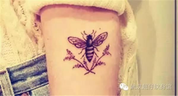 小蜜蜂纹身 小巧精致且寓意丰富图片