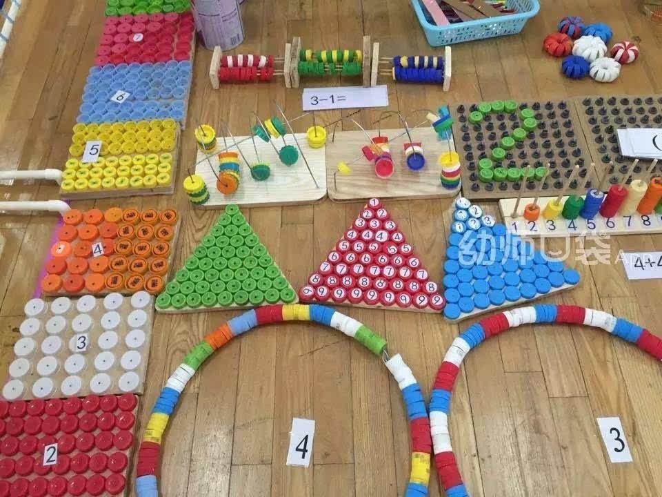 教育 正文  瓶盖对对碰          五颜六色的瓶盖放在一起好不赏心