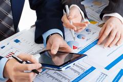 银行和金融机构是如何审查个人征信报告的?
