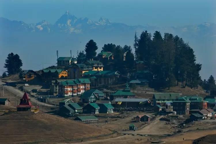 旅游正文克什米尔编辑雪娜汪在喜马拉雅腹地深处的