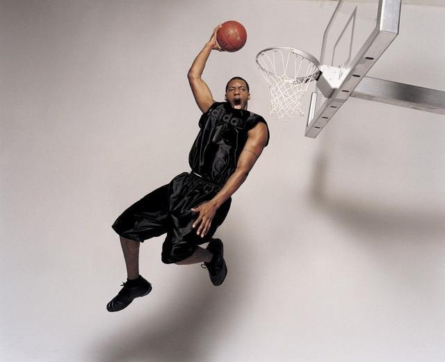 他是詹皇年少時的偶像,Kobe承認的最強對手,打球帥到沒朋友!-Haters-黑特籃球NBA新聞影片圖片分享社區