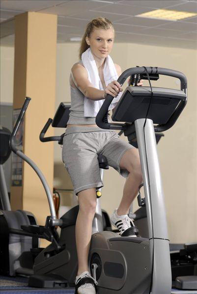 【组图】超完美健身房减肥健身计划,在家哑铃