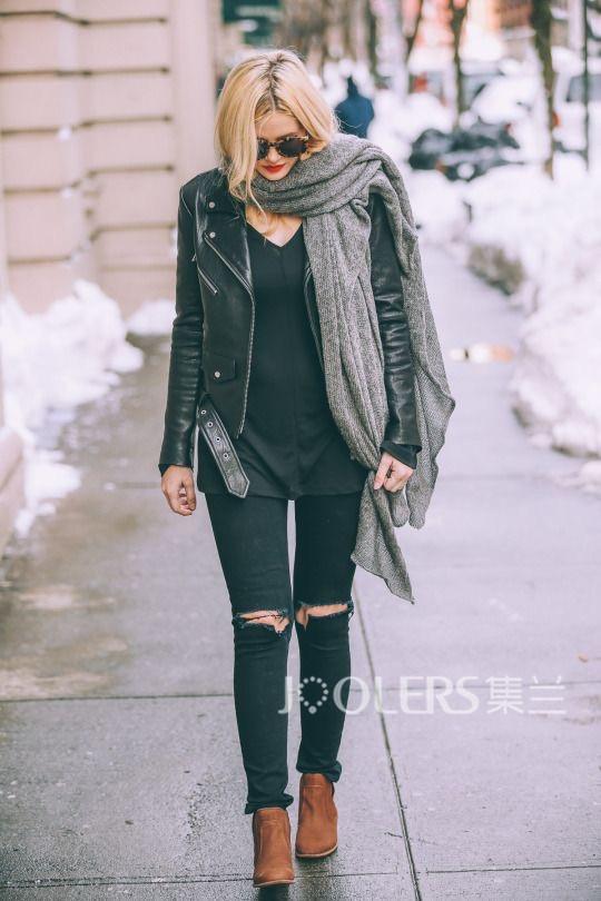 一个女人丢失了一个围巾的图片_韩版渐变色羊毛大围巾秋季冬天戒指绒加长保